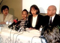 G à D : Angie Oggerio, Luc Cagadoc, Maria Gallardo et Fo Niemi (photo de M. Alberto Santos)