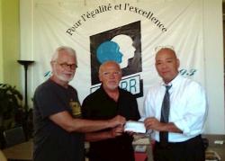 MM. Theo Wouters et Roger Thibault, victimes d'harcèlement homophobe, ont gagné 15 000 $ de dommages grâce au soutien du CRARR